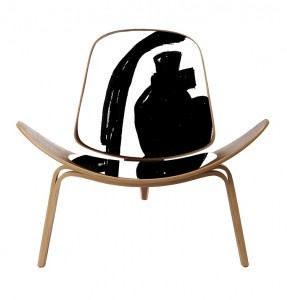 The-Matt-Blatt-Replica-Hans-Wegner-Shell-Chair-Walnut-Leather_LR